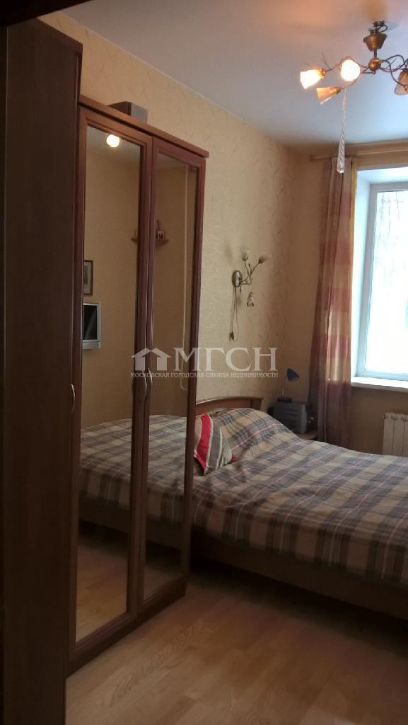 фото 4 ком. квартира - Москва, м. Спортивная, улица Хамовнический Вал