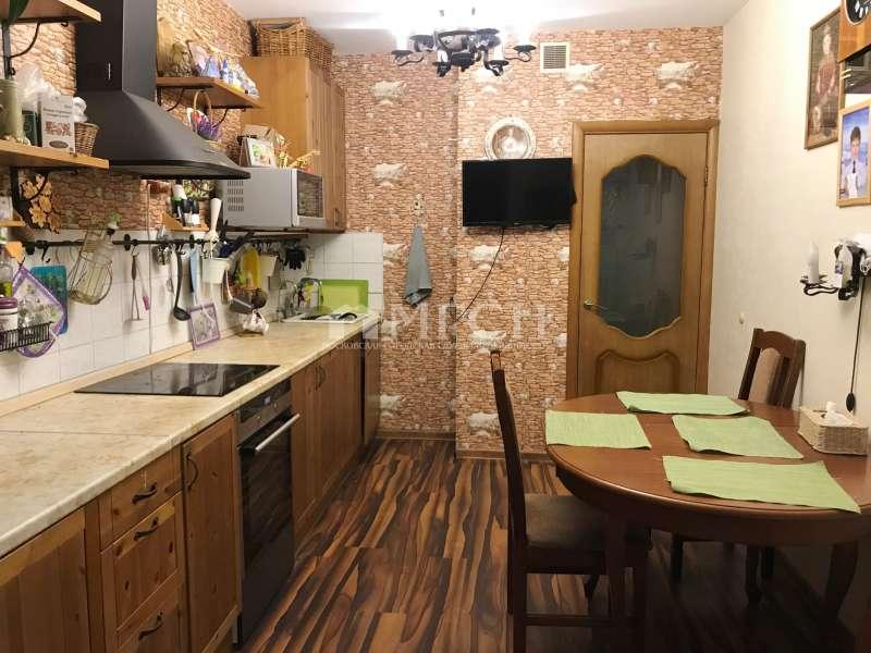 фото 2 ком. квартира - микрорайон В (Москва), м. Бунинская аллея, улица Адмирала Лазарева