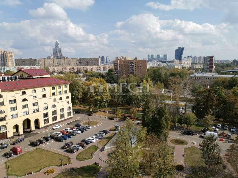 фото 3 ком. квартира - Москва, м. станция Панфиловская, улица Маршала Рыбалко