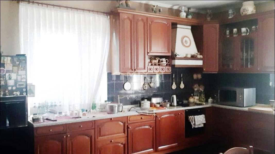 Дом на продажу по адресу Россия, Московская область, городской округ Солнечногорск, деревня Юрлово, Озёрная улица